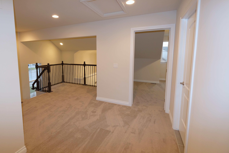 42408 Gateway Drive Unit 44 Plymouth Twp Hub Real Estate  # Muebles Luan Arbo
